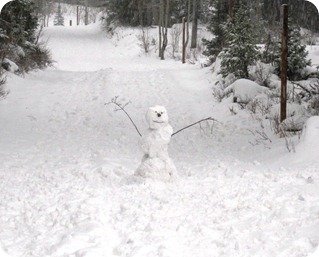 Snowman waves goodbye