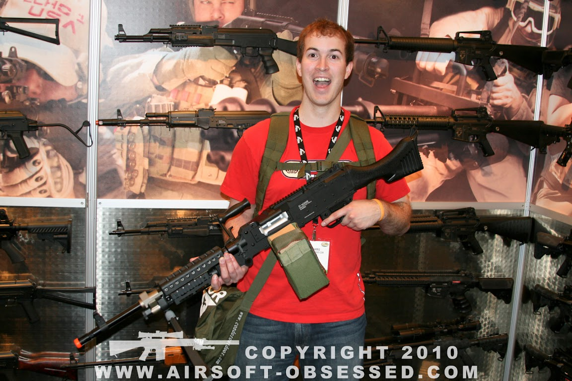 Airsoft Guns, Shot Show 2011 Coverage, Las Vegas, Jag Precision, Echo1 USA, M240Bravo,Airsoft Automatic Electric Gun, Airsoft SAW, Airsoft light machine gun, support weapon,M240B, AEG,Pyramyd Air, Pyramyd Airsoft Blog, Airsoft Obsessed, Airsoft Blog,