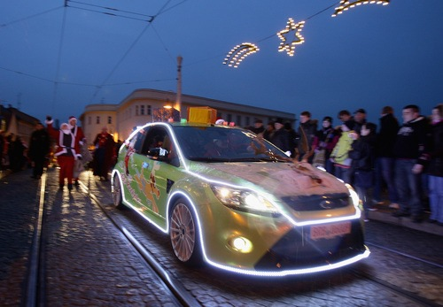 500x_ford_focus_rs_santa