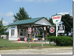 159 Rte 66 Gary's Sinclair Station at Gay Parita MO