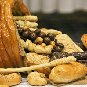 by Dawn Price - Food & Drink Cooking & Baking ( hard crust breads, cornacopia, rolls,  )