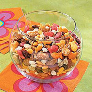 Leila and Alexa's Favorite After-School Trail Mix.