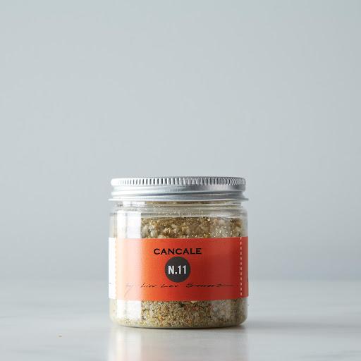 The Art of Blending Book + La Boîte Spice Blends Gift Set