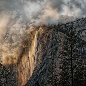 Weather Breaks On El Capitan & Horsetail Falls (1 of 1).jpg