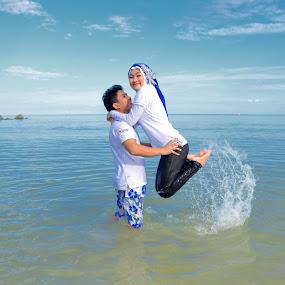 indahnya cinta diantara indahnya pantai by Abi Abdillah - Wedding Getting Ready