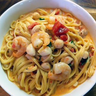 Linguini With Shrimp And Bay Scallops In A Creamy Tomato Vodka Sauce