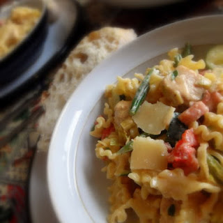 Pasta with Chicken, Pancetta and Summer Vegetables Recipe