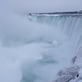 Niagara Falls in Winter by Dave Davenport - Landscapes Waterscapes ( winter, waterfalls, waterscape, water falls, water fall,  )