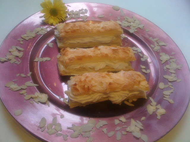 Whipped Cream Sandwich Pastries Recipe