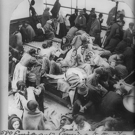 the influx of immigrants to ellis island