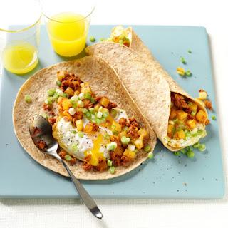 Chorizo y Papas Breakfast Burritos