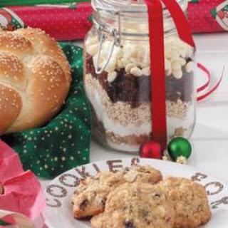 Christmas Cookies in a Jar.