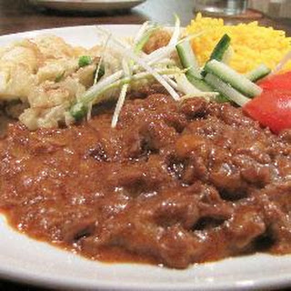 Beef Curry With Pea Omelette