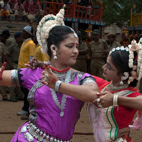 Elegance by Subhasis Ghosh - News & Events Entertainment ( puri, performance, friendship, india, harmony, orisha, passion, dance, culture )