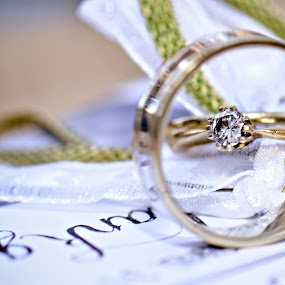 With this ring by Louise Lacante - Wedding Details ( object, artistic, jewelry )