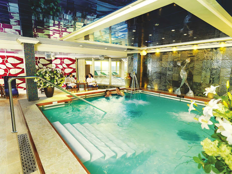 Take a relaxing dip in Cunard Royal Spa's Hydro Pool while cruising aboard Queen Victoria.