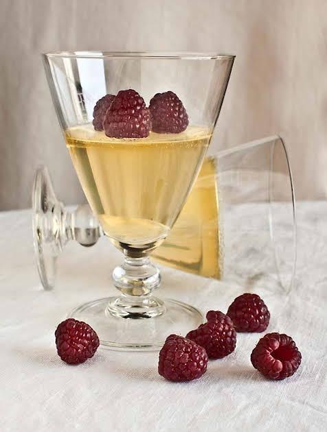 Sparkling Spanish Wine Gelatin Cups