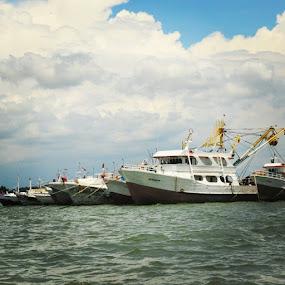 Perahu Kertas Ku by Piet Leba - Transportation Boats ( latepost, ig_nesia, instanusantara, jaw_dropping_shotz, ig_indonesia, awesomelocations, ahd_photo, thebestshooter, indonesia_photography, wu_indonesia, ig_captures, ig_avellino, ig_livorno, hunter_united, thebesteditor, hot_shotz, bluesky, landscapehunter, master_pics, world_shotz, water_perfections, longexposurephotography, nature, landscape_lover, epic_captures, natgeo, Bali )