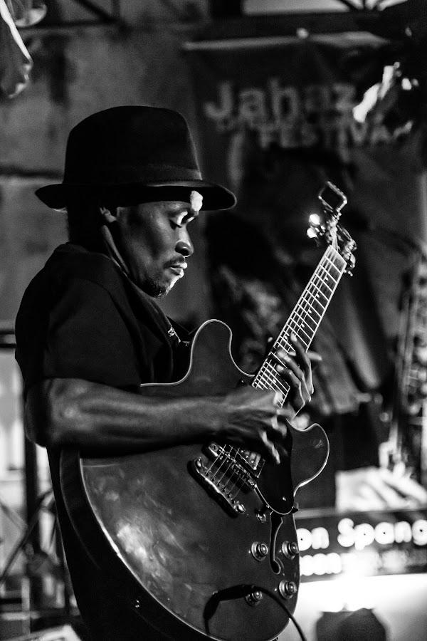 Shreddin' by Paul-Sam Freeman - People Musicians & Entertainers ( jahazi )