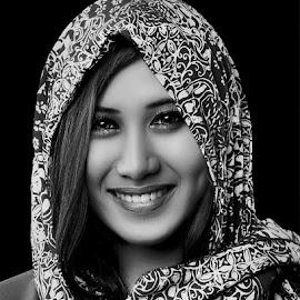 by Dhani Photomorphose - Black & White Portraits & People ( person, girl, b&w, woman, pretty )