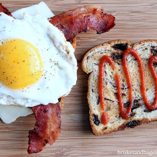 SAVORY, SWEET AND SPICY EGG SANDWICH