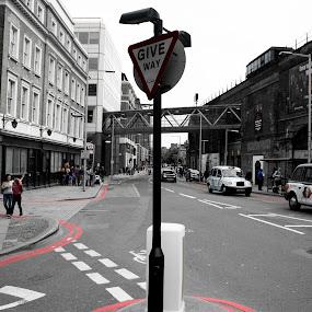 Street of London by Taeef Najib - City,  Street & Park  Street Scenes ( uk, life, london, street, random, united kingdom, y )