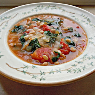 Garlic White Bean & Kale Soup