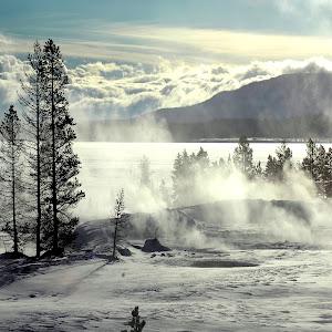 Yellowstone Lake4.JPG