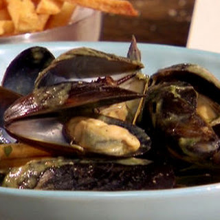 Steamed Mussels With Coconut-green Chilli Broth And Black Pepper Chips With Smoked Red Pepper Aioli