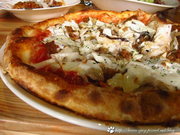 TAVOLA‧隱藏在住宅區的手工窯烤披薩