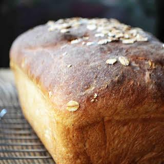 No Knead Maple Oatmeal Bread Dinner Rolls.