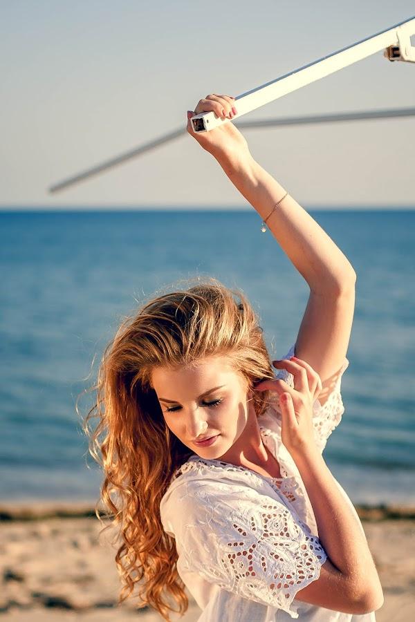 Alina by Oleg Nagel - People Portraits of Women ( glamour, fashion, model, girl, style, bright, female, woman, sea, summer, portrait, sun )