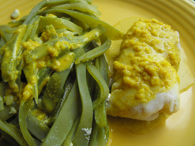 Fish and Green Beans with Curried Oatmeal Sauce Recipe
