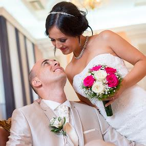 in love by Jovan Barajevac - Wedding Bride & Groom ( look, in love, wedding, suit, white dress, flowers, bride, groom, eyes )
