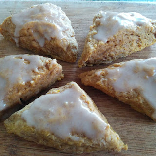 Mini Pumpkin Spice Scones (vegan)