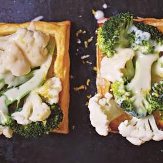 Rachel Khoos met groenten gevulde bladerdeegbakjes