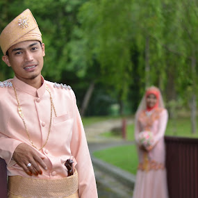Malay wedding by Tun Izmir - Wedding Bride & Groom ( melayu, wedding, malay, pengantin, malaysia )