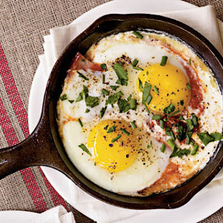 Shirred Eggs with Ham and Tomato