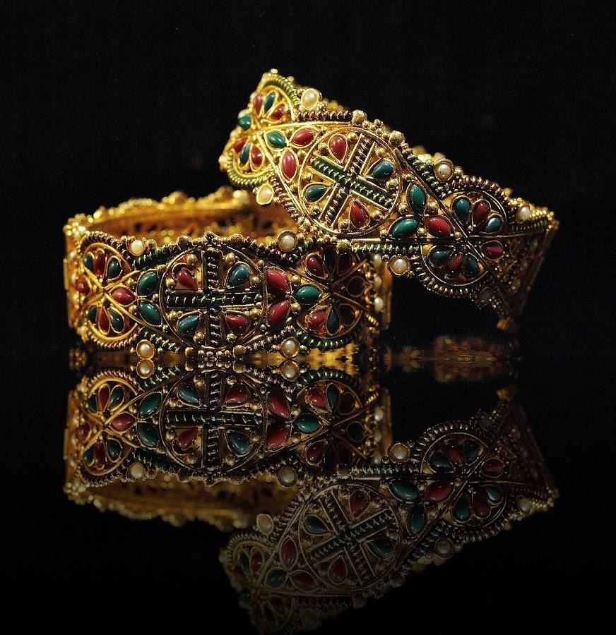 Golden jewel by Labeeb Kareem - Artistic Objects Jewelry (  )