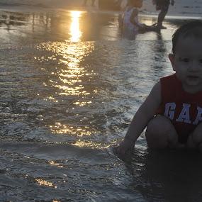baby at beach by Shafiq Azli - Babies & Children Babies ( melawi, love, baby, beach, sun dawn )