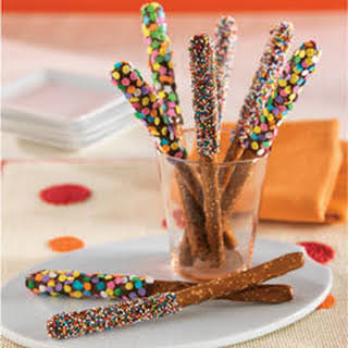 Easy Pb 'n Chocolate Pretzels.