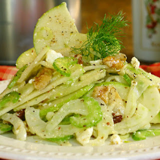 Fennel and Pear Salad with Red Wine Vinaigrette