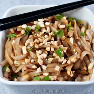 Cold Chinese Noodles in Peanut Sesame Sauce.