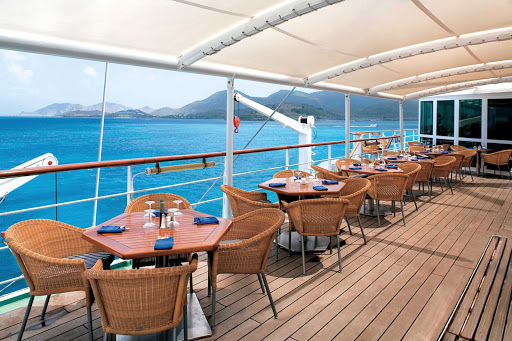 Windstar-Cruises-Wind-Surf-Veranda-1 - Dine al fresco at Veranda, an ideal mid-ship dining area for enjoying breakfast and lunch aboard Windstar Cruises' Wind Surf.