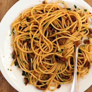 Spaghetti With White Puttanesca.