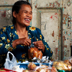 Street Vendor by Sony Witjaksono - People Street & Candids
