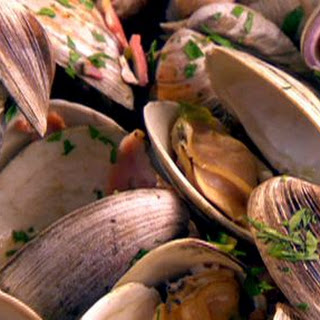 Clams With Pancetta And Spring Onions