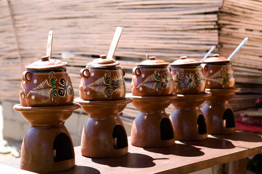 Cabo-San-Lucas-pots - Pots of enticing food in Cabo San Lucas, Mexico.