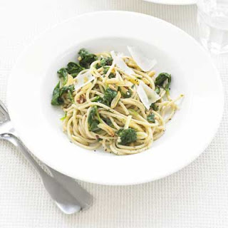 Spaghetti with Spinach & Garlic Recipe