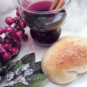 Saffron Buns with Spiced Wine (Bread Maker Recipe)